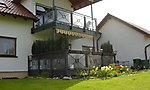 Balkonanlage, Steinmauern